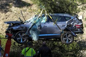 Again, Tiger Woods cheats death in ghastly auto crash
